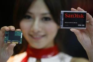 sandisk_memory_card_logo_girl_ap